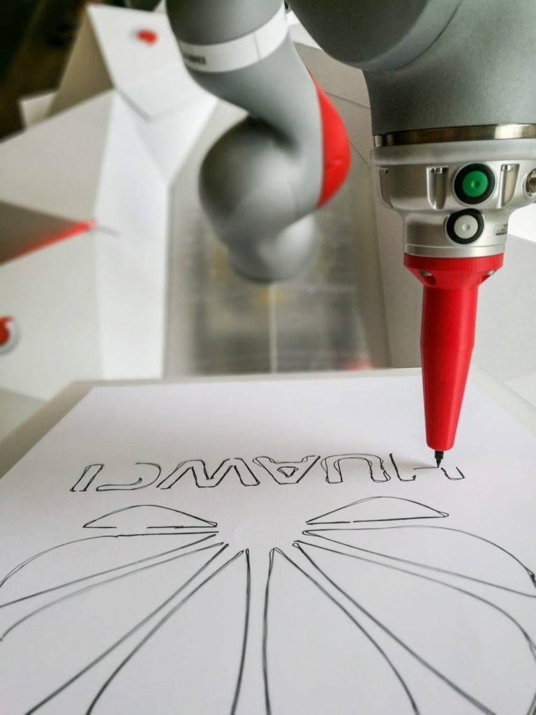 Drawing robot arm